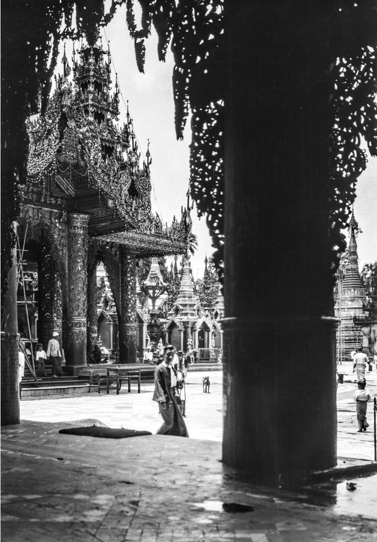 837. Рангун. Пагода Шведагон, Восточный храм