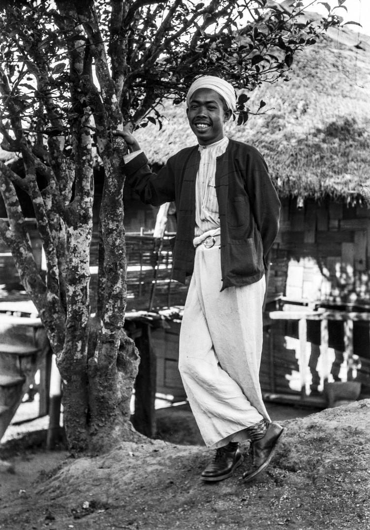 961. Принц у чайного дерева