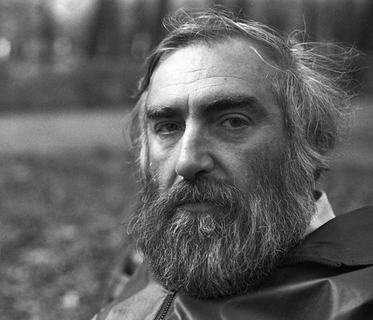 Литератор Виктор Топоров