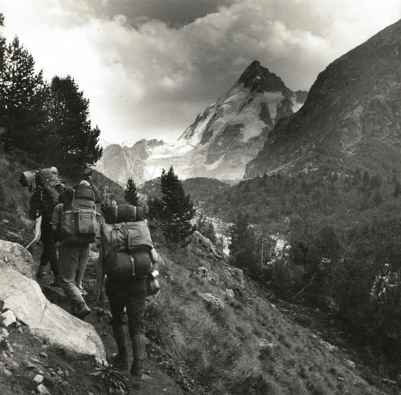Центральный Кавказ. Долина Адылсу с базой «Джан-Туган» (3911 м)