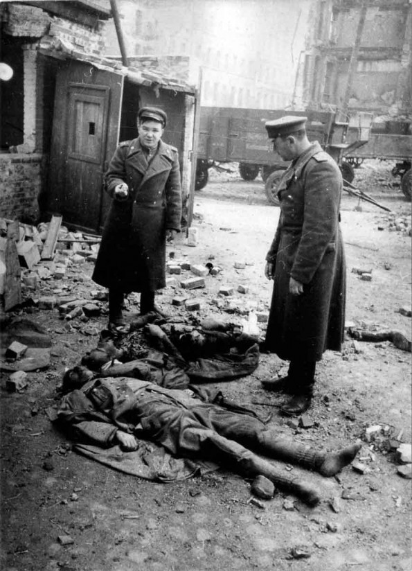 dead-German-commander-Berlin-595x824.jpg