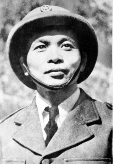 Фото 5 - Генерал Зиап в 1954 году.jpg