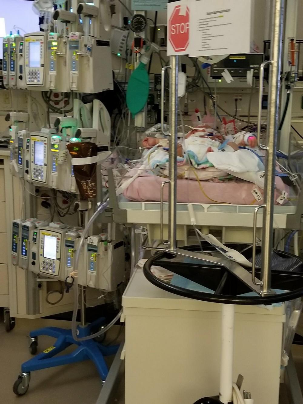 Новорожденная девочка умерла от... поцелуя