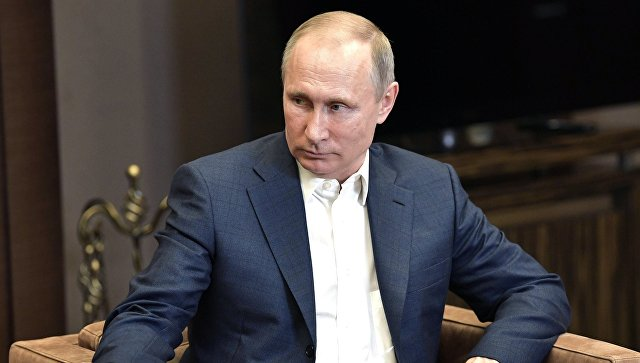 Путин назвал число покидающих Россию американских дипломатов