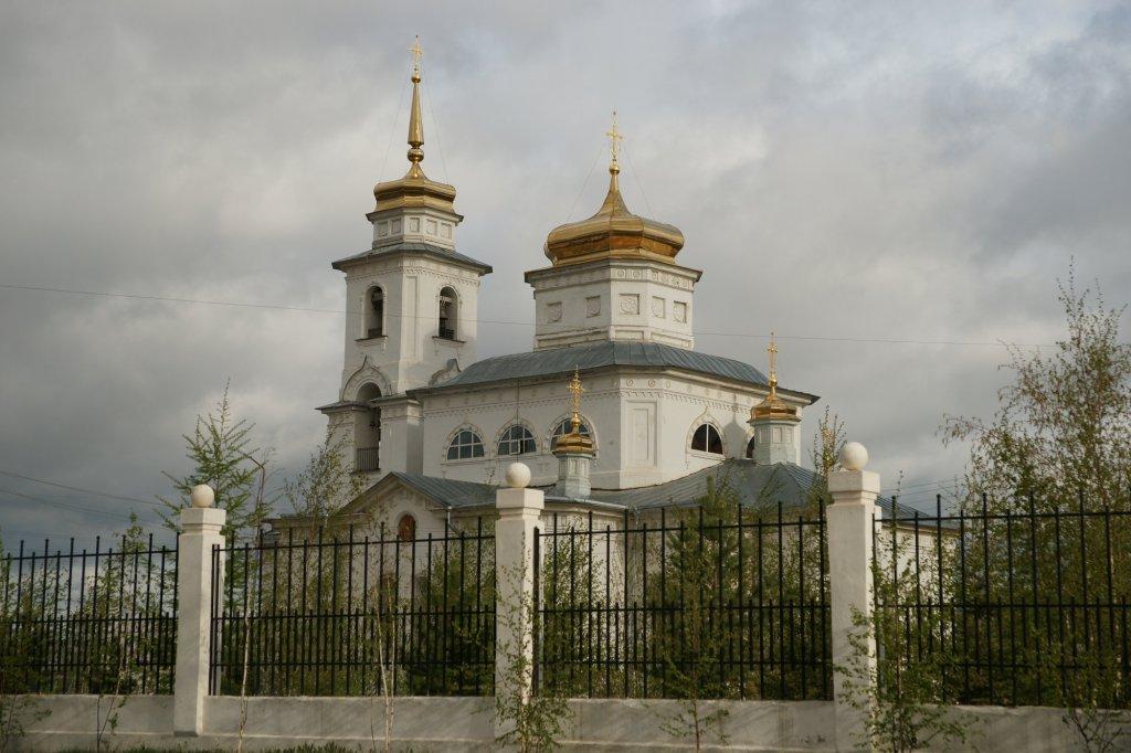 gradoyakutskij-nikolskij-hram_02.jpg