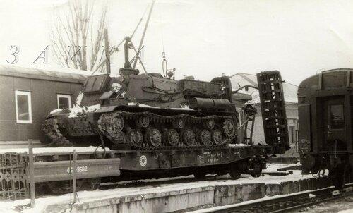ису-152 БТТ-1К на платформе 02 копия.jpg