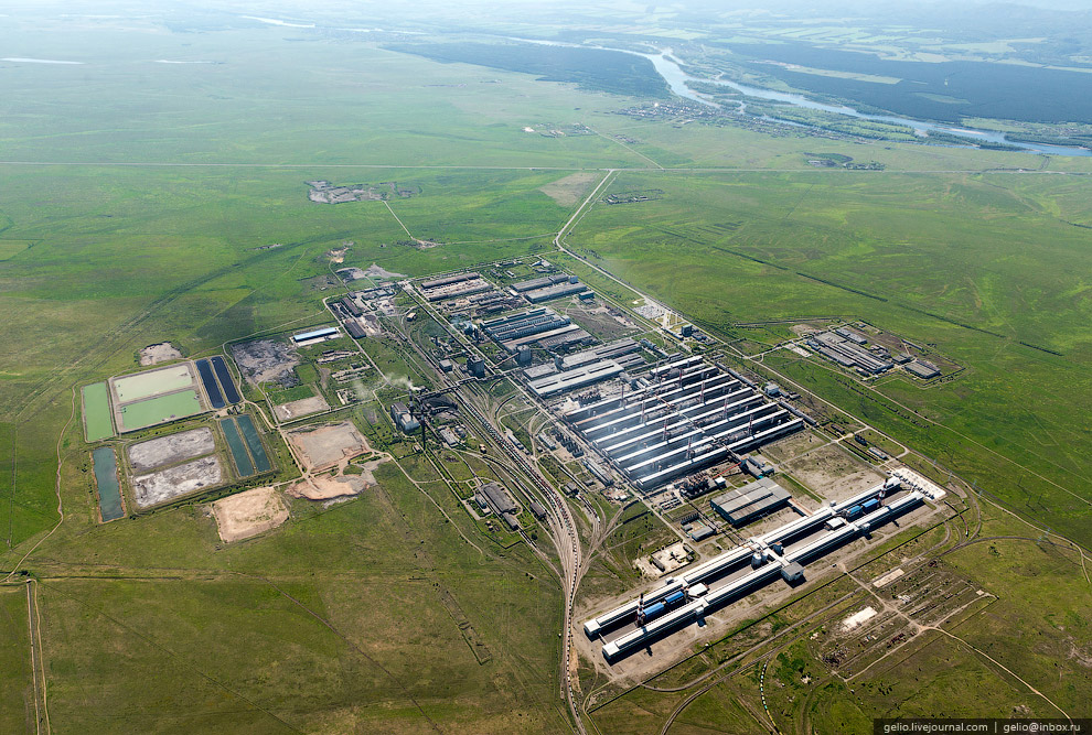 39. Завод потребляет около 30% производимой СШ ГЭС энергии.
