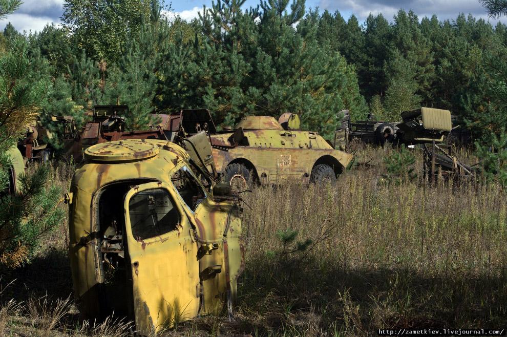 Однако большая часть машин и вертолетов до недавнего времени стояла (стояла десятилетиями!) в с