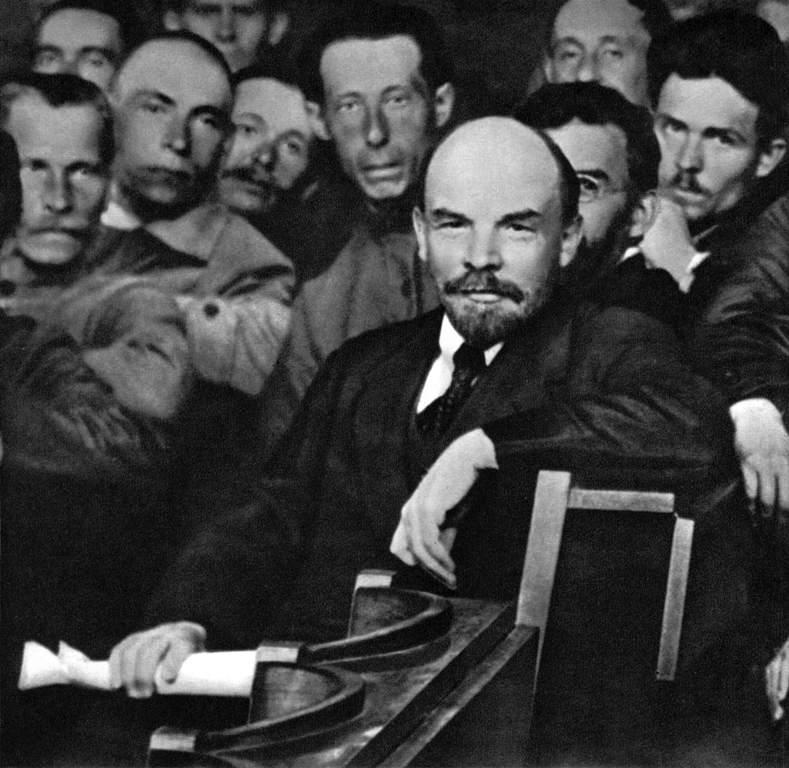 В.И.Ленин среди делегатов X Всероссийской конференции РКП(б). Москва, 26-28 мая 21.jpg