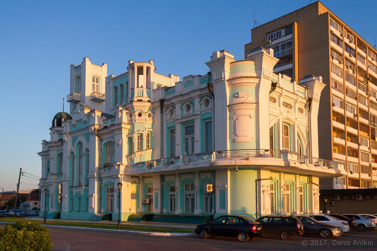 Здание ЗАГС Астрахань фото 3