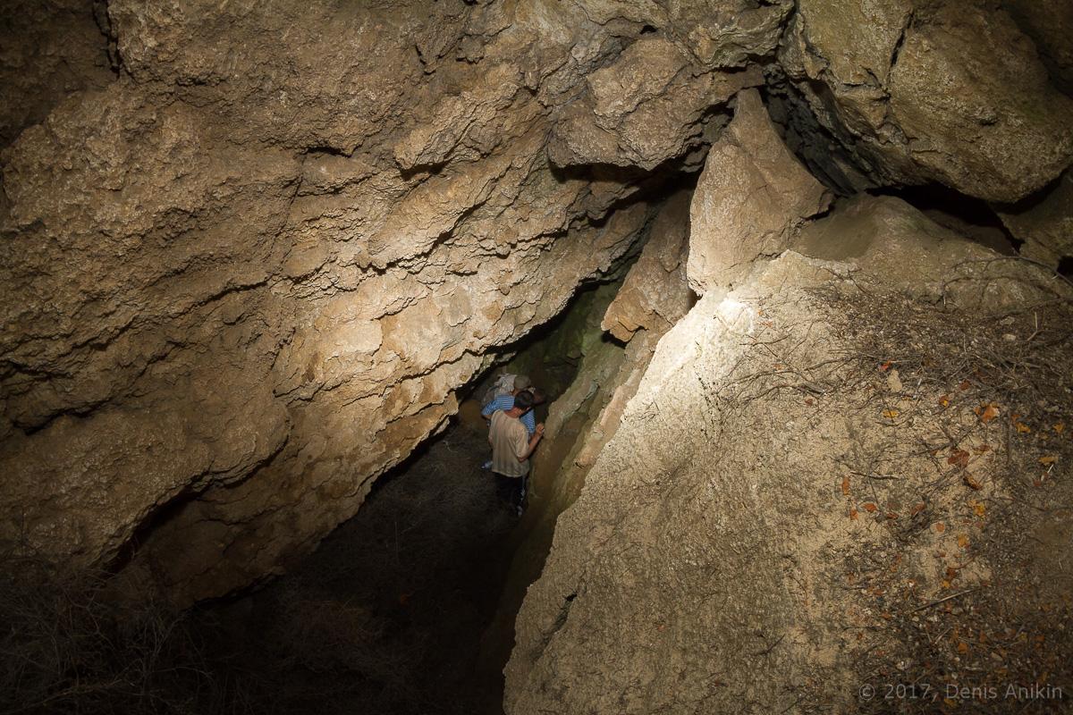 Пещера у горы Богдо фото 6