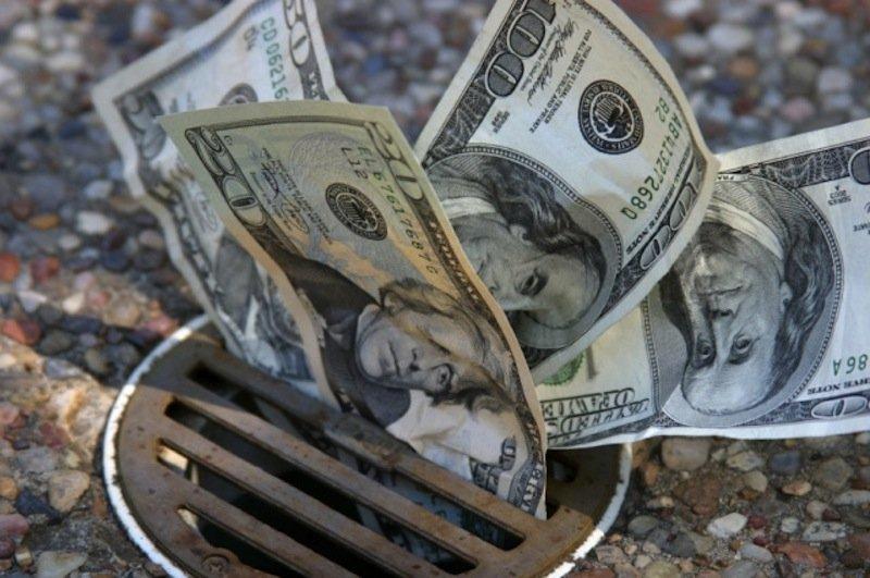 У банков заканчивается валюта.jpeg