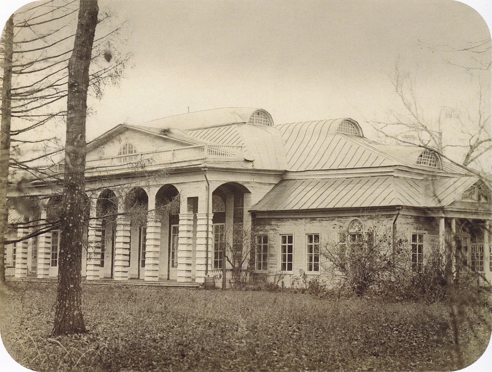 Парковый фасад господского дома. 2-я пол. 1860-х