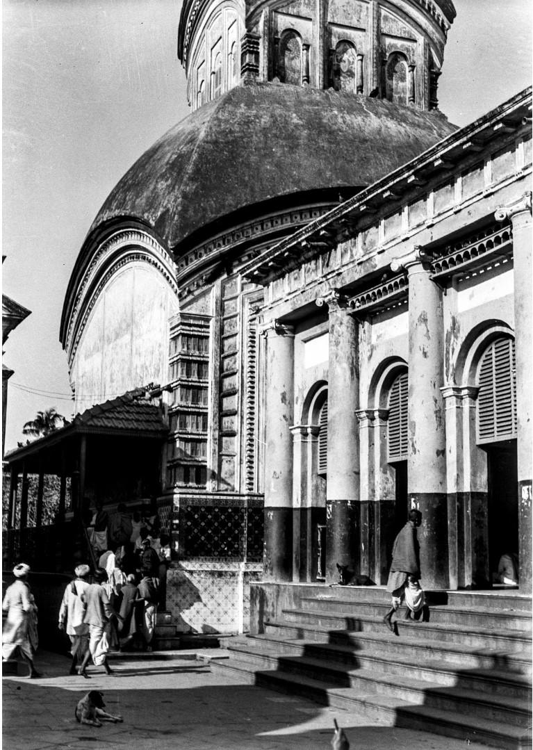 1283. Вид на главный вход в храм в Калигхате