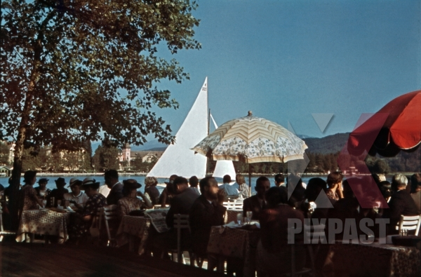 stock-photo-at-the-wrthersee-in-prtschach-austria-1939-12632.jpg
