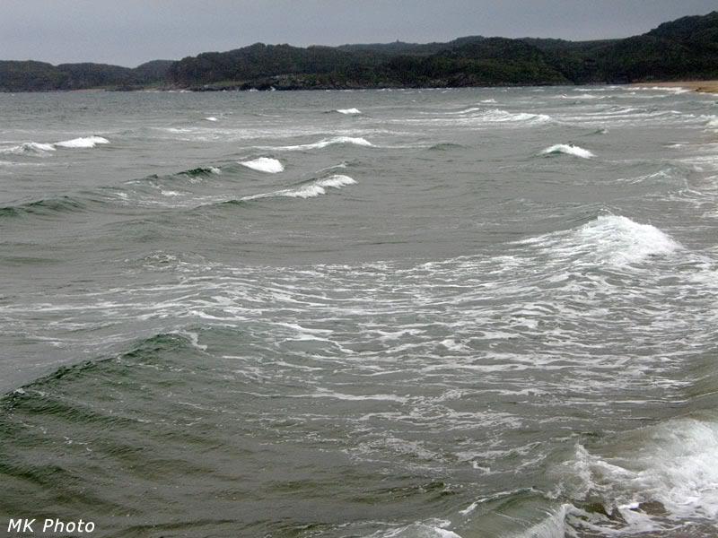 Волны, накатывающиеся на берег