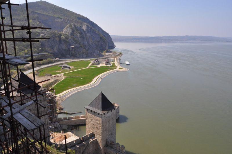 Вид с башни Голубацкой крепости