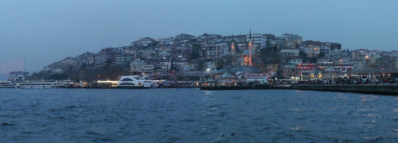 Стамбул. Вечер на пристани Ускюдар