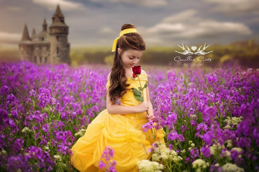 Новсеже больше всего маленькая Лейла любит наряжаться вмультяшных принцесс.