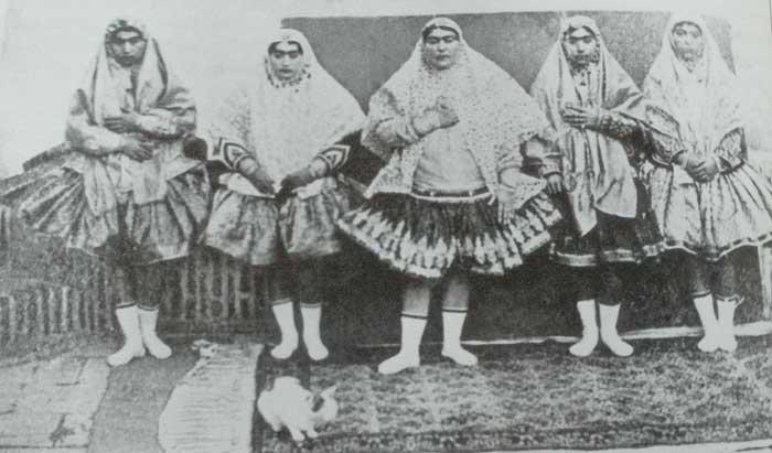 13. Известно, что в 1873 году Насер эд-Дин Шах по приглашению Александра II побывал в Санкт-Петербур