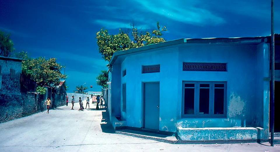 Поскольку Мальдивы исламское государство, привозить с собой спиртное сюда запрещено. Выпить можно то