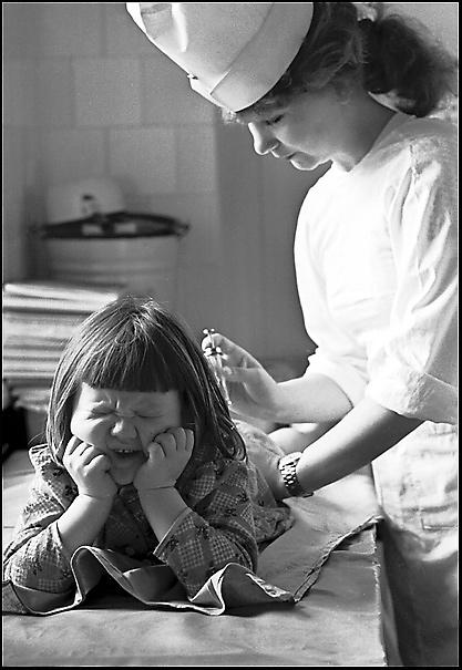 Как расшевелить бабушек: избранные работы звезды советской фотографии Владимира Ролова (23 фото)
