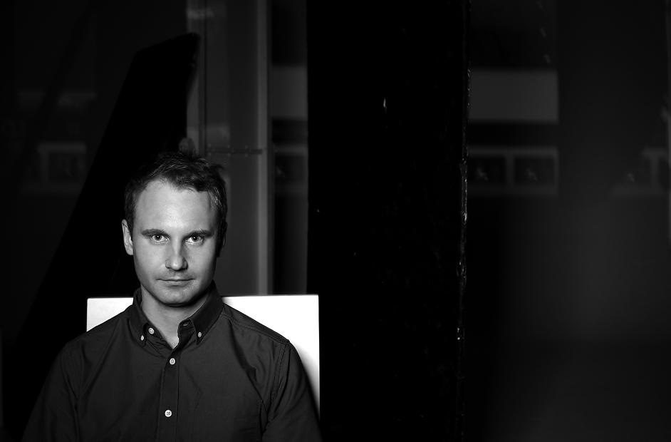 Антон Горбачёв — арт-директор компании FOTOLAB, фотограф, куратор, преподаватель школы PHOTOPLAY, чл