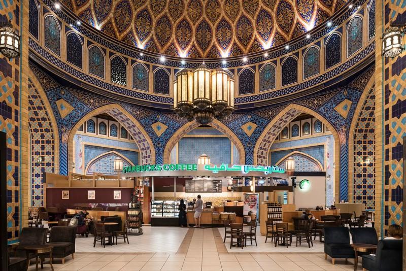 «Хлеб и зрелища»: фотограф снял жизнь богачей Дубая