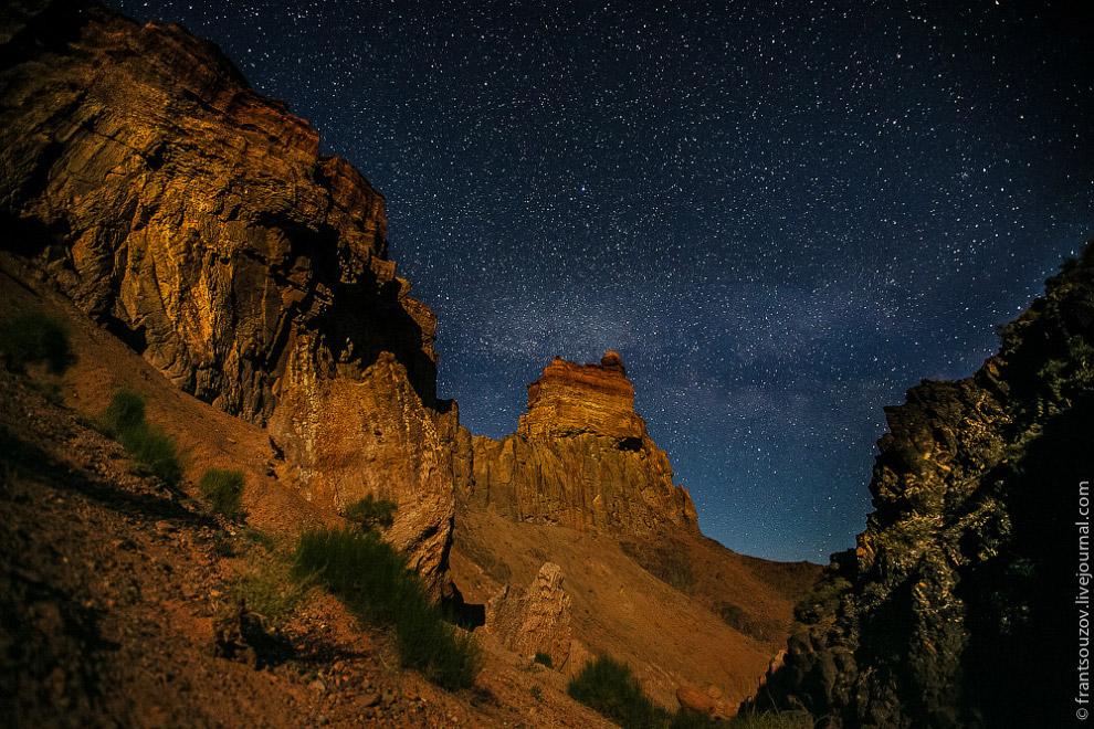 Поэтому, изучая каньоны, археологи очень редко находят следы древних людей. Зато внутри каньона