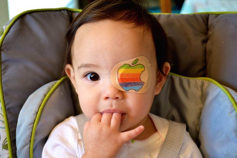 Layla's Patches – A creative dad draws everyday on his daughter's eye patches (23 pics)