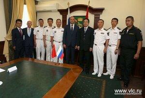 Сегодня в администрации Владивостока приняли делегацию военно-морских сил Китая