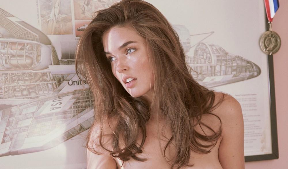 Джессика Уолл в фотосессии для Playboy
