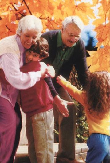Открытка. 1 октября. С Днем пожилых людей! Будьте здоровы!