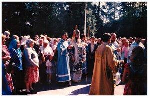 Епископ Симон на крестном ходе