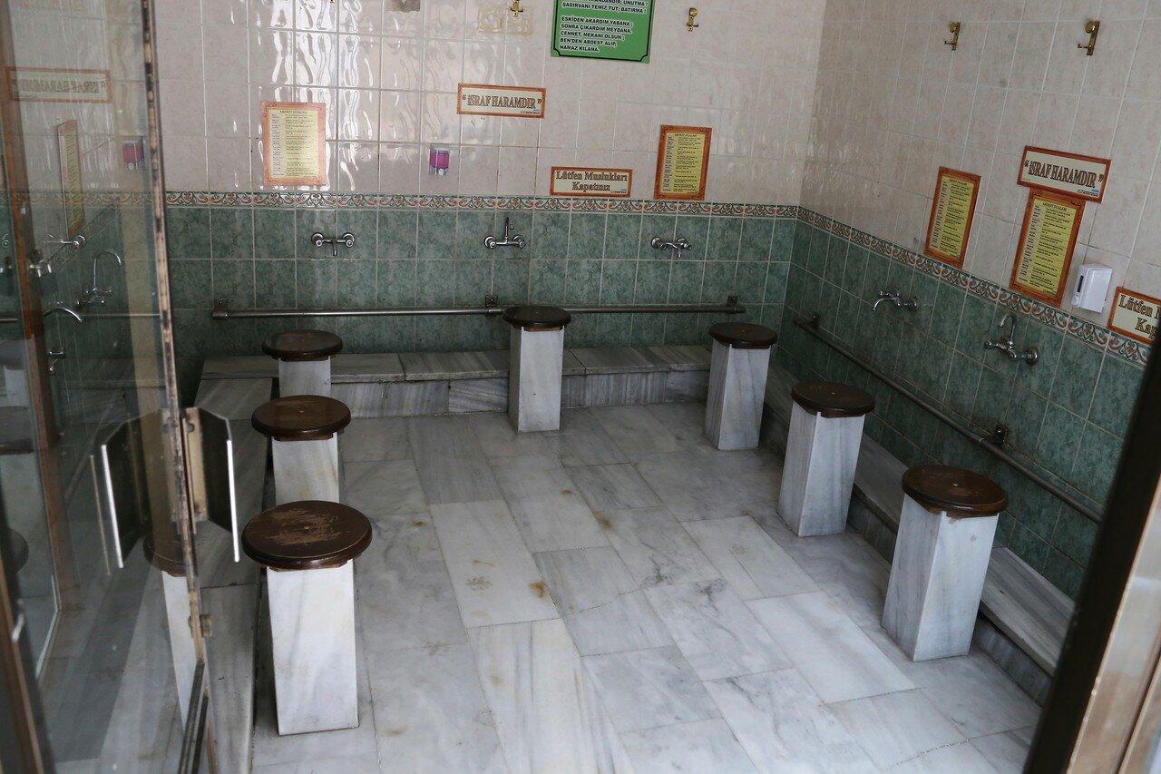 Istanbul. Mosque Karaki Hüseyin Çelebi (Karaki Hüseyin Çelebi Camii)