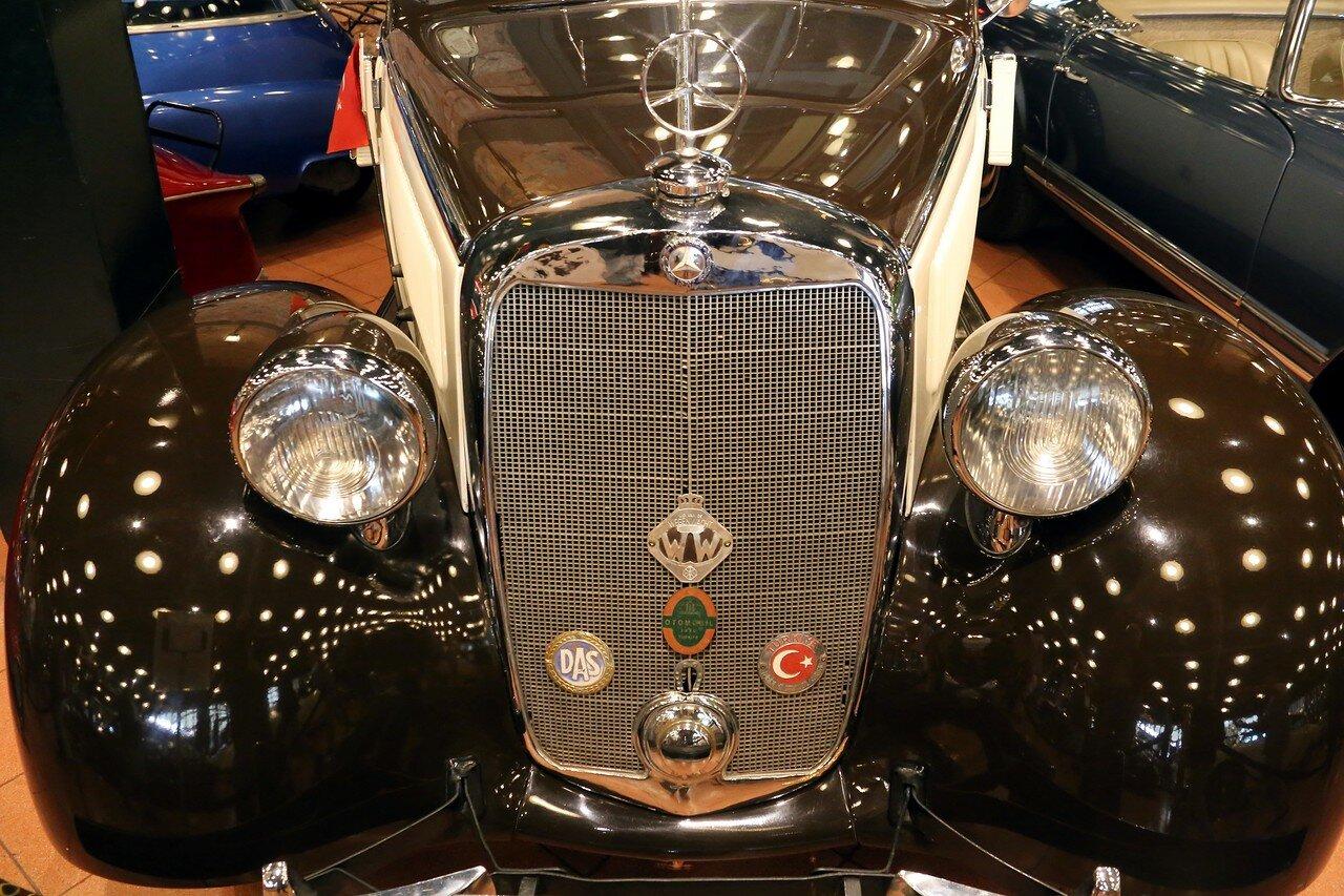 Стамбул. Музей Рахими Коча. Mercedes-Benz Cabriolet B 230