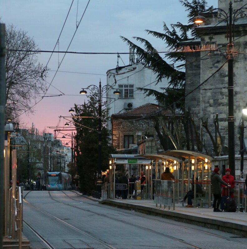 Вечерний Стамбул. Диван Йолу