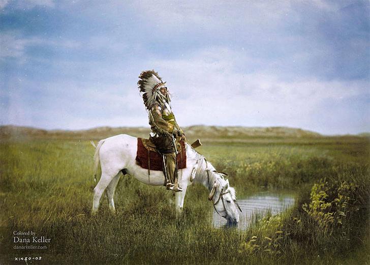 «Оазис в пустошах», Красный Ястреб из племени оглала-сиу на коне, 1905 год.