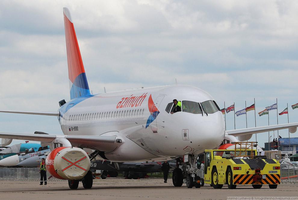 5. «Азимут» — российская авиакомпания, создаваемая в Ростове-на-Дону.