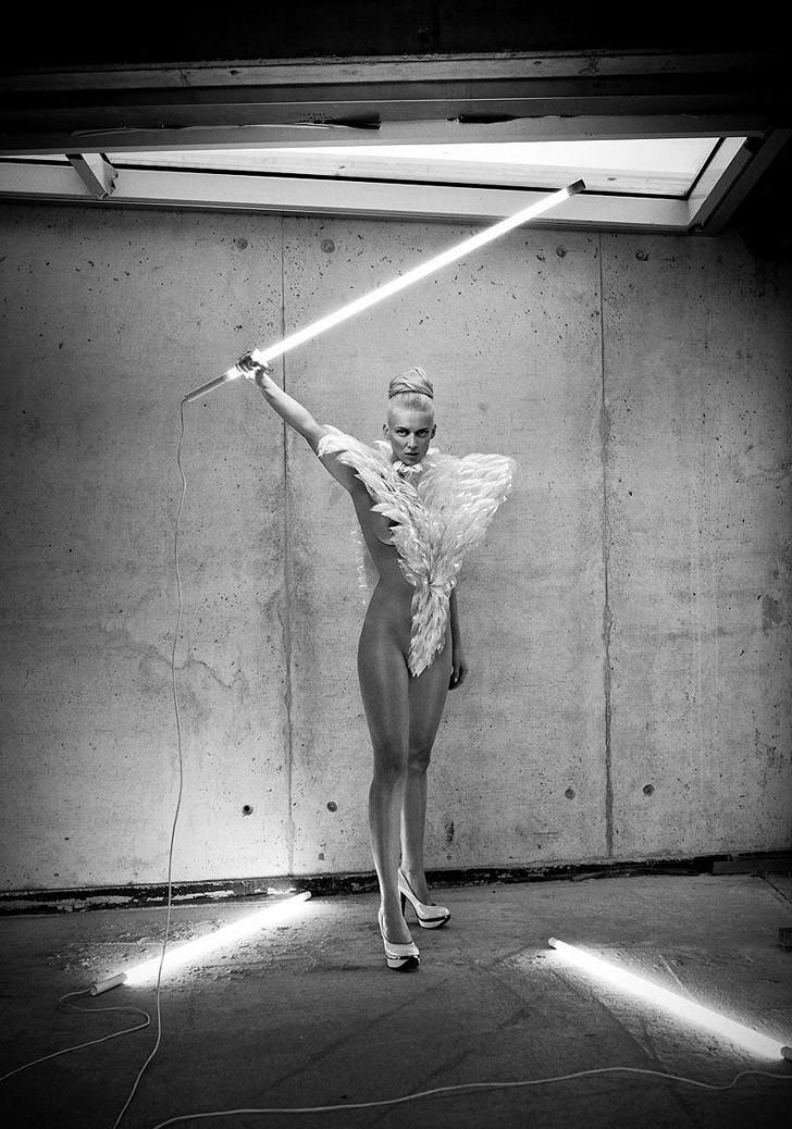 Сексуальные и динамичные работы Саймона Бродзиака (30 фото) 18+