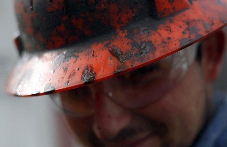 Сегодня нефть является одним из важнейших для человечества полезных ископаемых. Она обнаружив