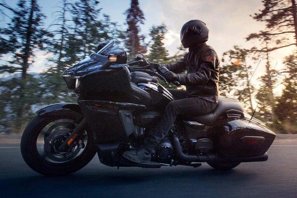 Новый бэггер Yamaha Star Eluder 2018
