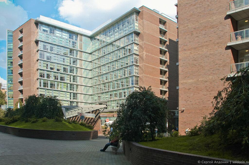 Vivaldi Plaza