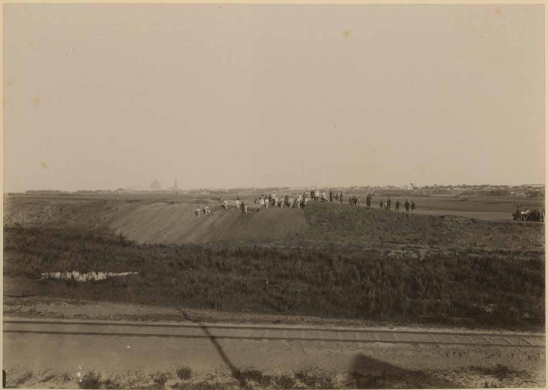 В окрестностях города (1880-1899)