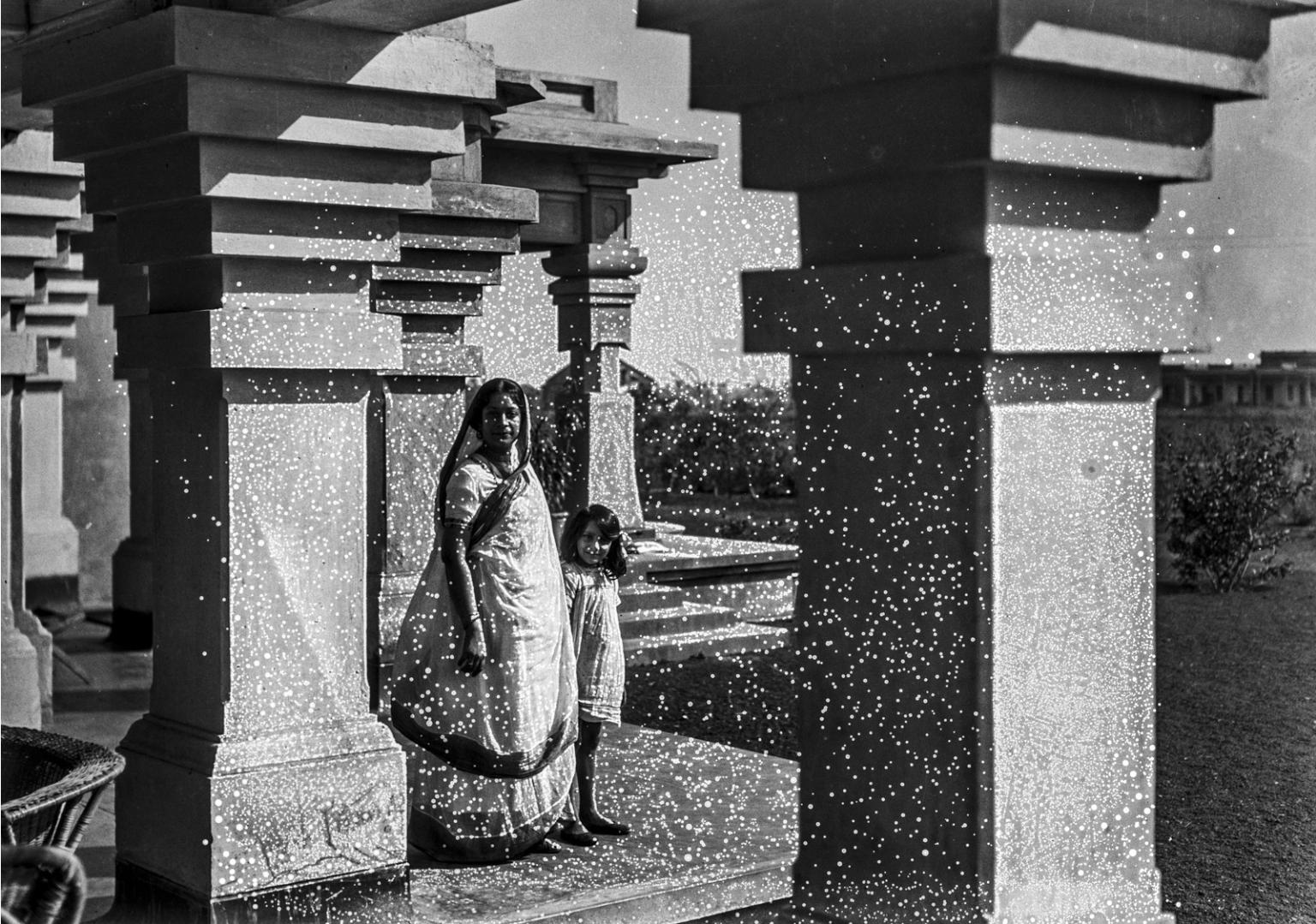 1319. Невестка и внучка Тагора
