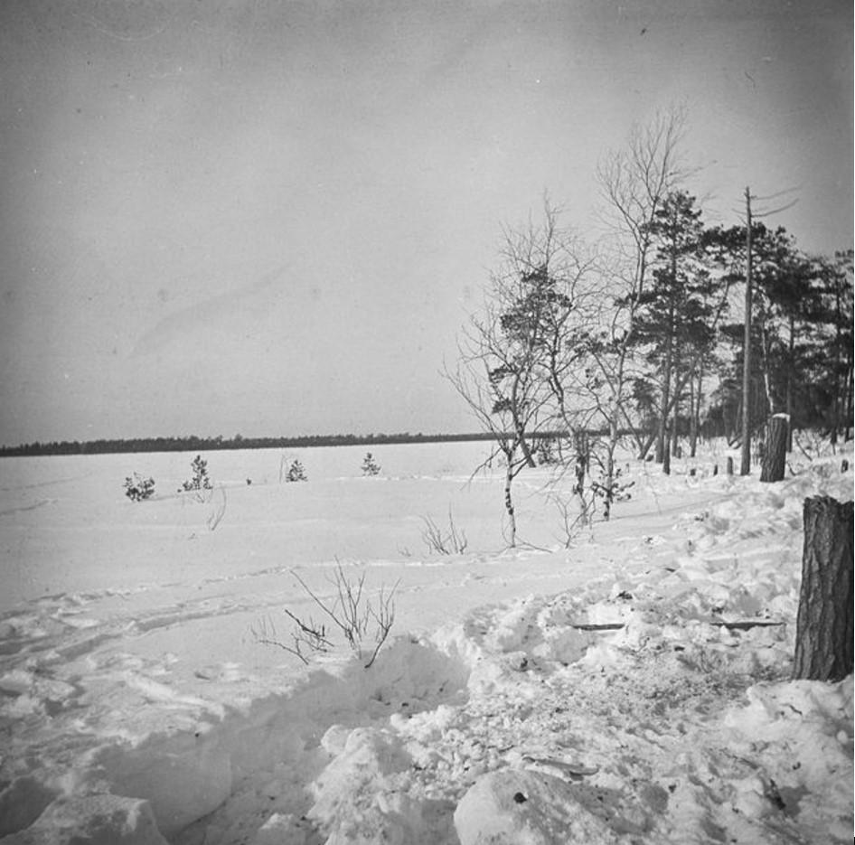 143. Зимний пейзаж Нарел-Ту с южной стороны озера