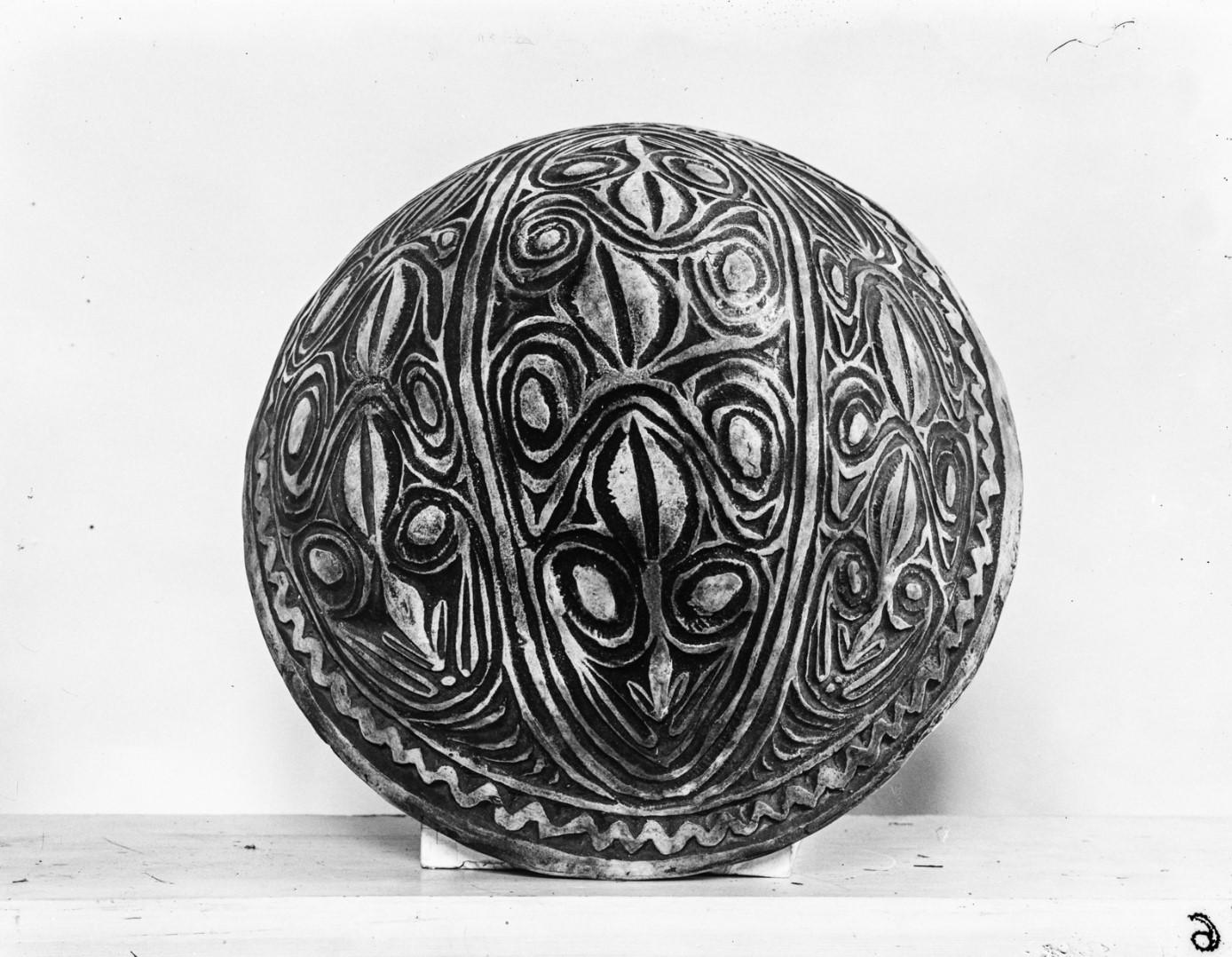 Орнаментированная глиняная миска
