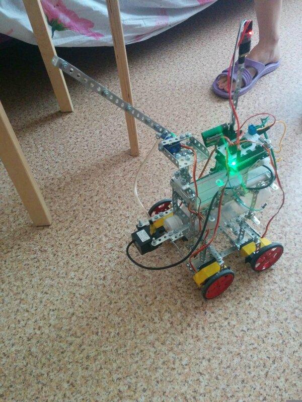 Робот Пожарный-01.jpg