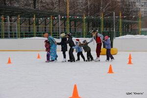 """4 января 2015 """"Весёлые старты"""" на льду"""
