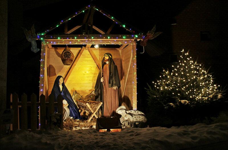 Рождественский вертеп, католический собор Святых Апостолов Петра и Павла, Саратов, 13 января 2012 года